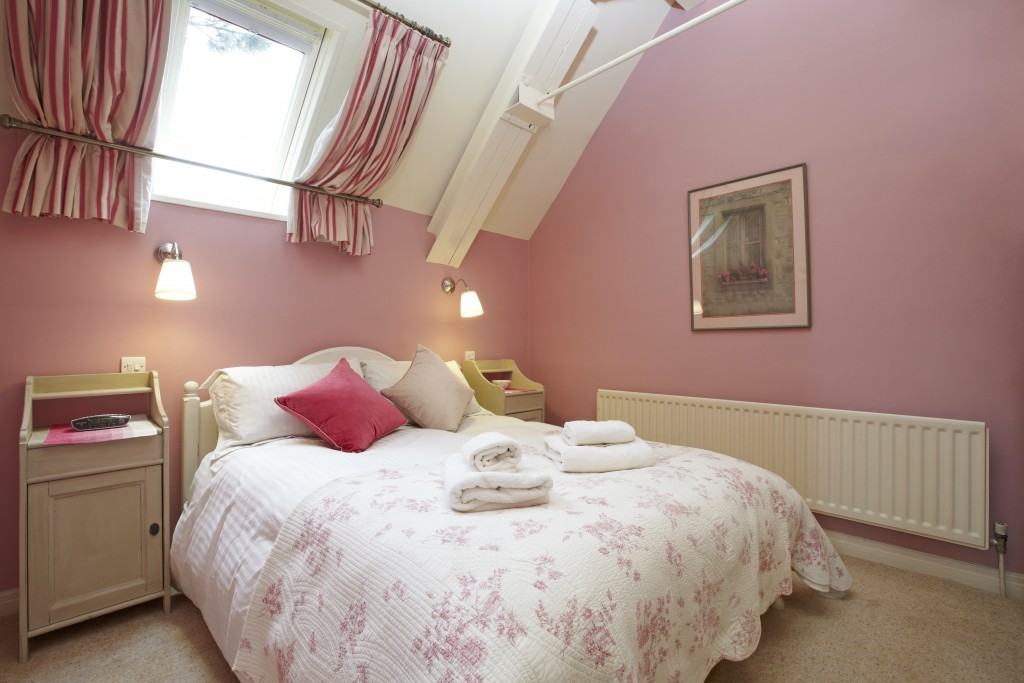 Applebarn pink bedroom