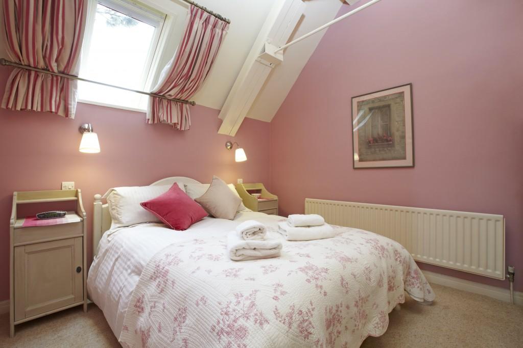 Applebarn pink bedroom