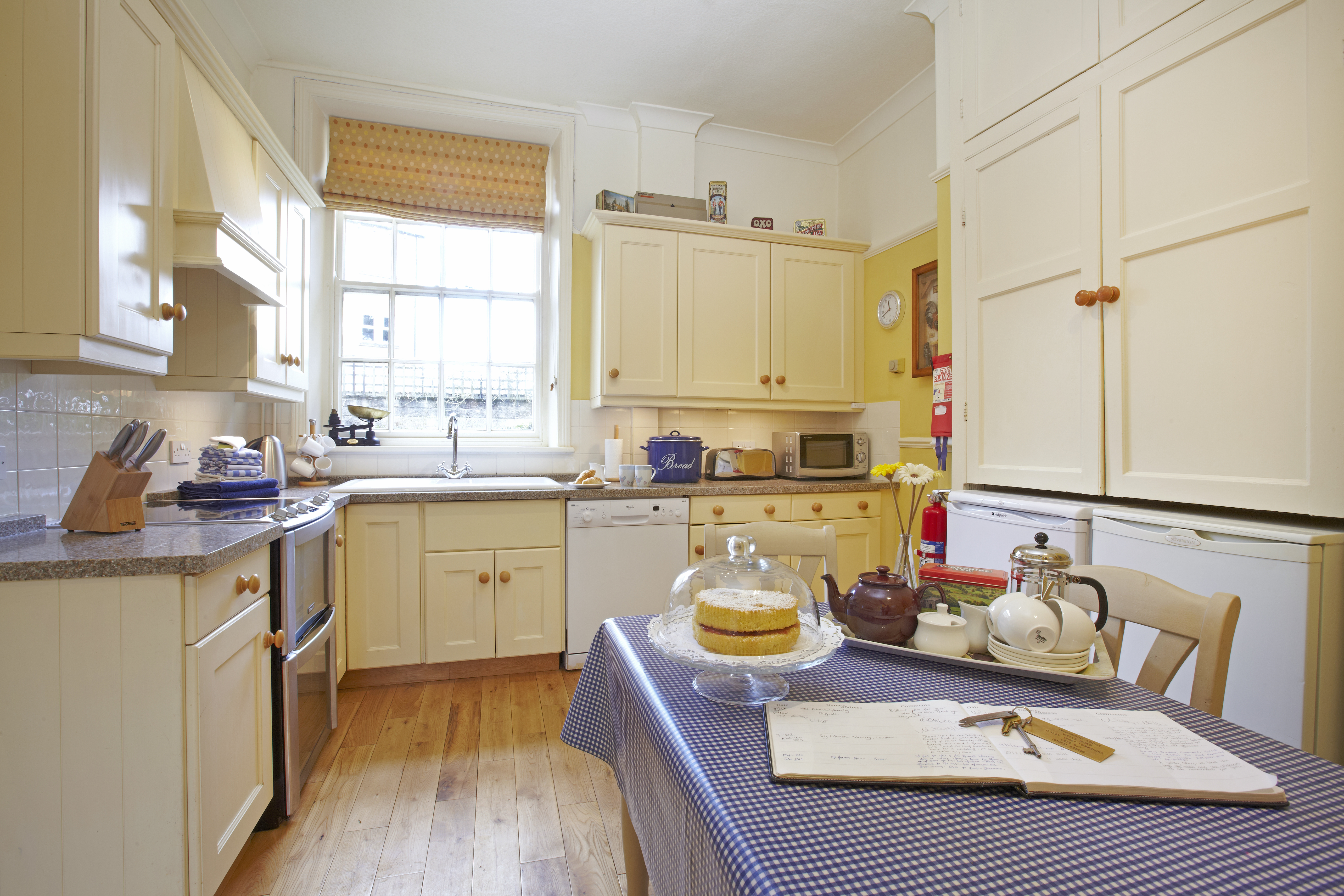 15 Coach House Kitchen